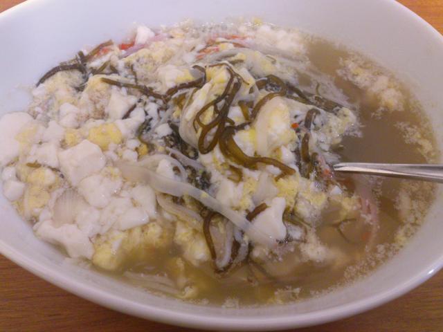 お豆腐ともずくのスープ